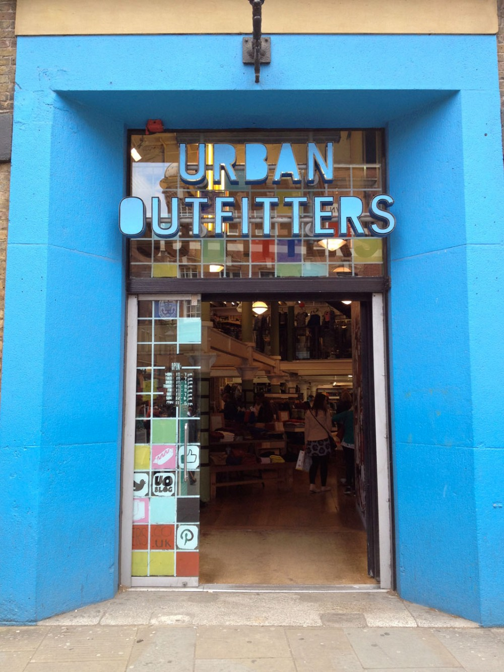 Urban_Outfitters_2
