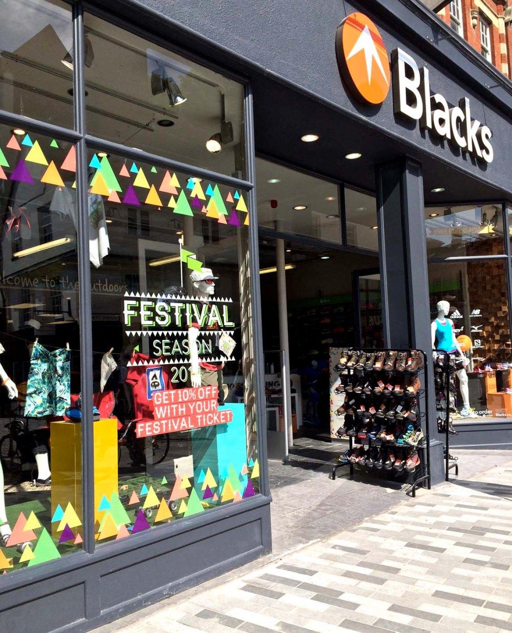 BLACKS_FESTIVAL_02